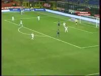 10 bàn thắng đẹp của Ibrahimovic: Số 5 vs Bologna
