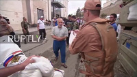 Binh sĩ Nga vận chuyển hàng viện trợ nhân đạo tới Aleppo