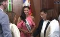 Hoa hậu hoàn vũ rạng ngời trò chuyện với tổng thống Philippines