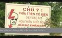 Trường Mầm non thị trấn Tân Hiệp bị kẹp giữa hai đường dây điện cao thế