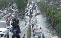 Phố hóa sông ở Bangkok sau trận mưa kỷ lục trong 25 năm
