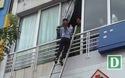 Hà Nội: Giải cứu nhiều người mắc kẹt trong căn nhà 4 tầng