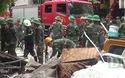 Quân đội, cảnh sát pccc chạy đua thời gian cứu nạn nhân sập nhà ở Hà Nội