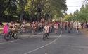 Thú vị cảnh hàng nghìn người khoả thân đạp xe
