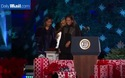 Tổng thống Obama thắp sáng cây thông Noel lần cuối tại Nhà Trắng