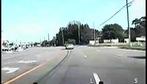 Rượt đuổi nghi phạm trộm xe như trong phim