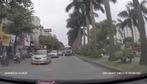 Xe bồn vượt ẩu suýt gây tai nạn