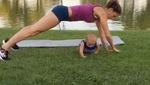 2 mẹ con cùng nhau tập Gym siêu đáng yêu