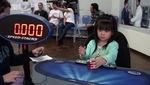 Choáng với bé gái 3 tuổi chỉ mất 47 giây để giải xong khối rubik