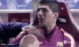 Suarez gọi điện tâm sự với vợ sau khi khóc nức nở vì chấn thương