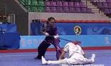 """Màn đấu Wushu """"máu lửa"""" của 2 nữ vận động viên Trung Quốc"""