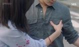 Hwa Shin luôn tỏ ra khó chịu khi gặp Na Ri