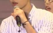 Song Joong Ki học tiếng Quảng Đông trên sân khấu