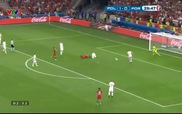 Ronaldo nổi cáu vì không được hưởng phạt đền