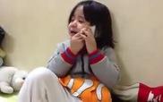 Clip: Cô bé gọi điện khóc vì nhớ anh trai đang đi học ở xa