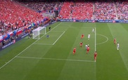 Dự đoán trận tứ kết Ba Lan - Bồ Đào Nha, nhận ngay áo adidas
