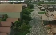 Rác phủ kín kênh rạch ở thủ đô Campuchia