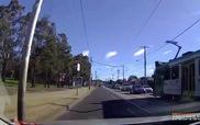 Ôtô đốn gục 2 xe phân khối lớn
