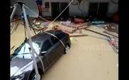 Treo ôtô để tránh lũ