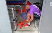 """Karim Benzema """"trù úm"""" giày mới"""