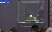 Clip viên cương Oppenheimer Blue được công bố đấu giá thành công