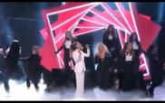 Christina Aguilera và Ariana Grande - Dangerous Woman
