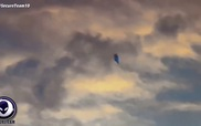 Mỹ: Phát hiện UFO màu xanh bay lơ lửng trên căn cứ quân sự