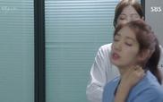 """""""Doctors"""": Hiểu lầm giữa Hye Jung và Seo Woo ngày càng lớn"""