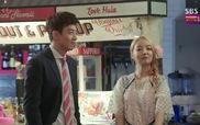 """""""Doctors"""": Ji Hong cùng hai người bạn thân đi uống rượu tâm sự"""
