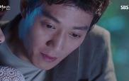 """""""Doctors"""": Ji Hong hướng dẫn Hye Jung gắp thú bông"""