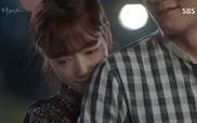 """""""Doctors"""": Hye Jung ôm Ji Hong từ phía sau"""