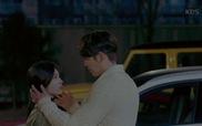 """""""Yêu Không Kiểm Soát"""": No Eul quay đầu bỏ đi sau khi bị Joon Young hôn"""