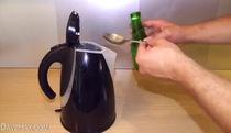 Bạn có biết ấm đun nước ở nhà thực ra bẩn thế nào không?