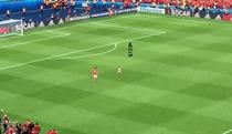 Khoảnh khắc dễ thương của Gareth Bale và con gái