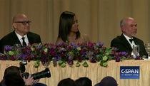 Obama ghép ảnh ví mình như bộ xương khi bên vợ