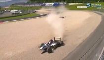 Ba chiếc F3 tan xác trên đường đua