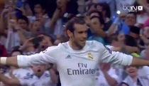 Gareth Bale sút bóng đập chân Fernando làm tung lưới Joe Hart