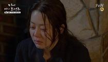"""""""Dear My Friends"""": Bà Chung Nam và bà Yeong Won bắt gặp Dong Jin hôn Wan"""