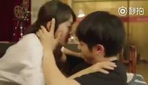 """Nụ hôn của Cảnh Cảnh Dư Hoài trong """"Tuổi Thanh Xuân Bên Nhau"""""""