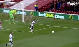 Nottingham Forest 1-1 Fulham: Bendtner ghi bàn đầu tiên tại Anh sau 1000 ngày
