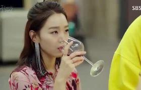 """""""Huyền thoại biển xanh"""" tập 12: Sim Chung xinh như công chúa trong tiệc Noel, ghen tỵ với Cha Si Ah"""