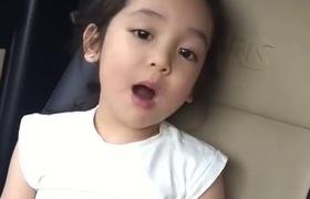 Mẫu nhí Việt 4 tuổi làm