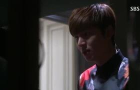 """Nụ hôn của Lee Min Ho và Park Shin Hye trong """"The Heirs"""""""
